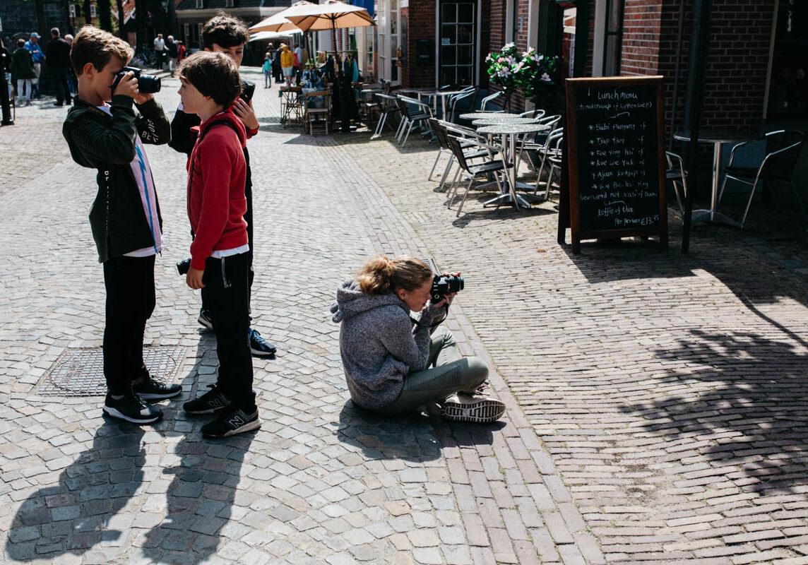Cursus fotograferen voor kinderen-Cursus-straatfotografie-voor-kinderen-Overijssel-Twente-Het-echte-leven-fotograferen-2